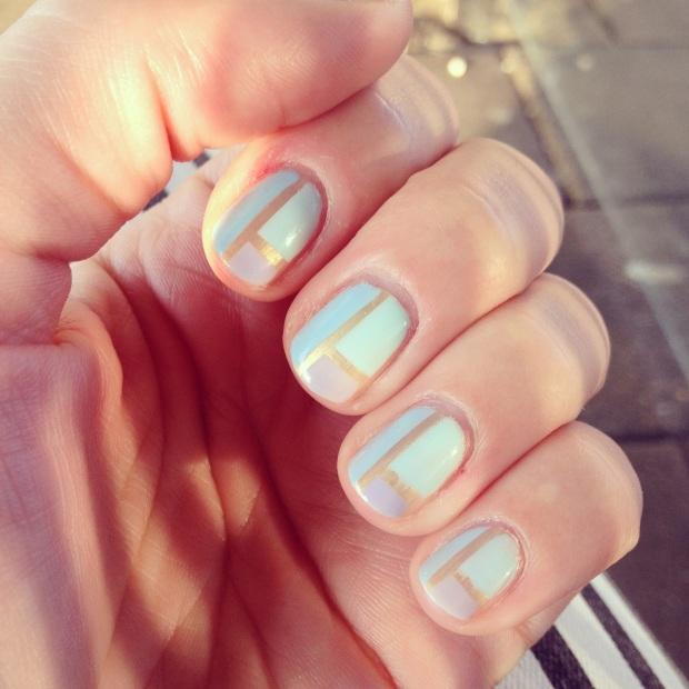 Nail art design pastel stripes 1